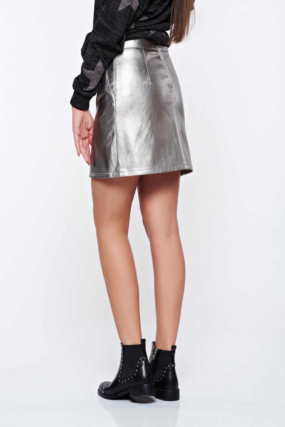 Fusta Top Secret argintie casual din piele ecologica cu aspect metalic