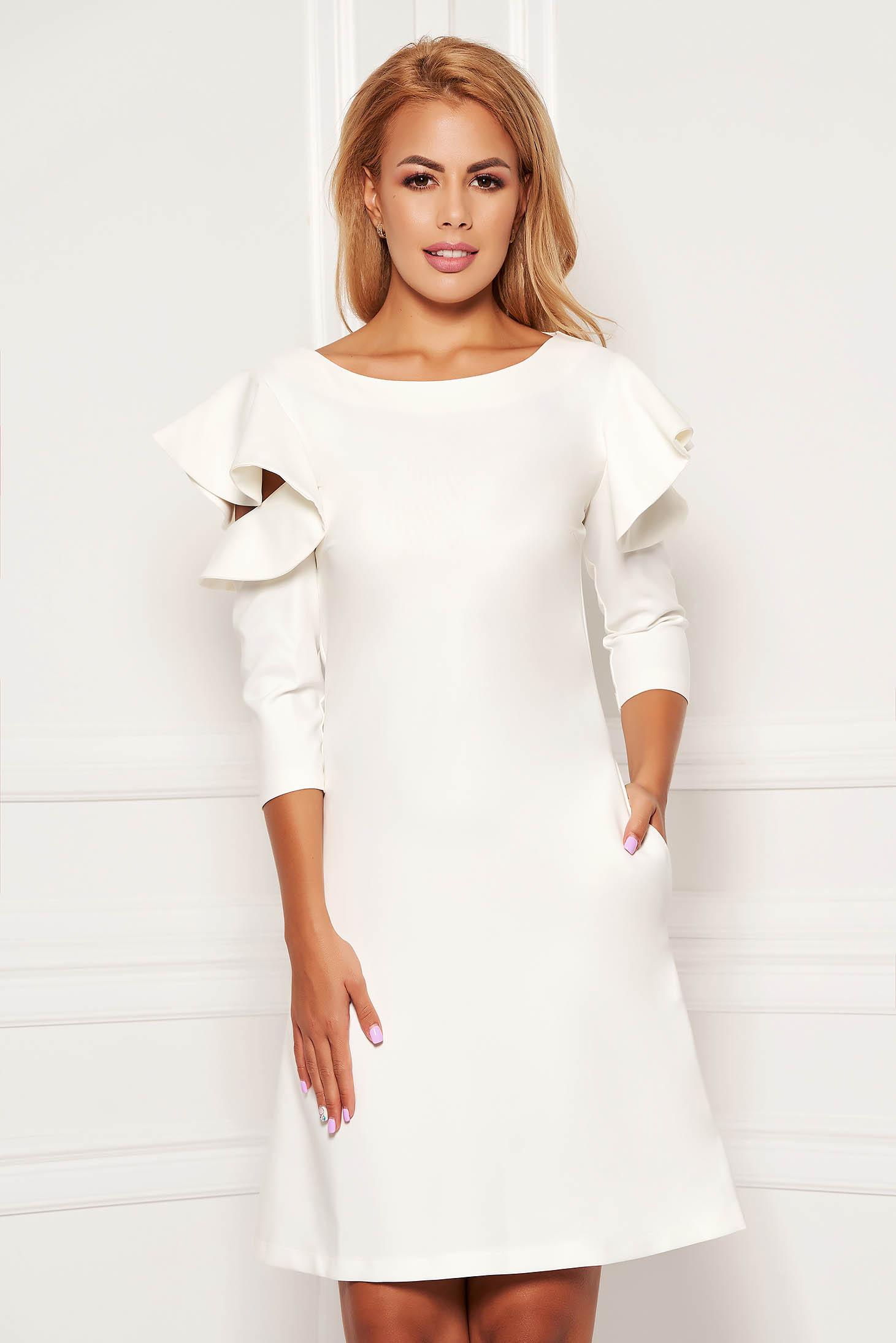 Rochie LaDonna alba eleganta de zi din stofa usor elastica cu croi in a si volanase la maneca