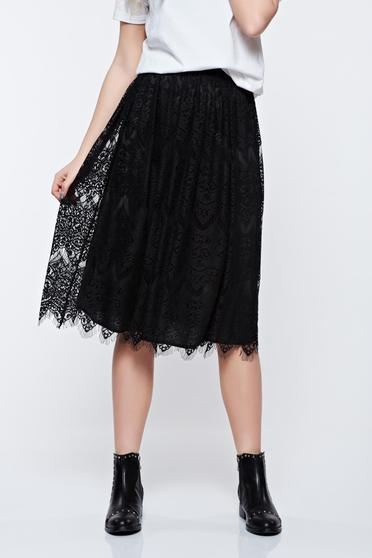 StarShinerS black skirt with inside lining with elastic waist from laced fabric