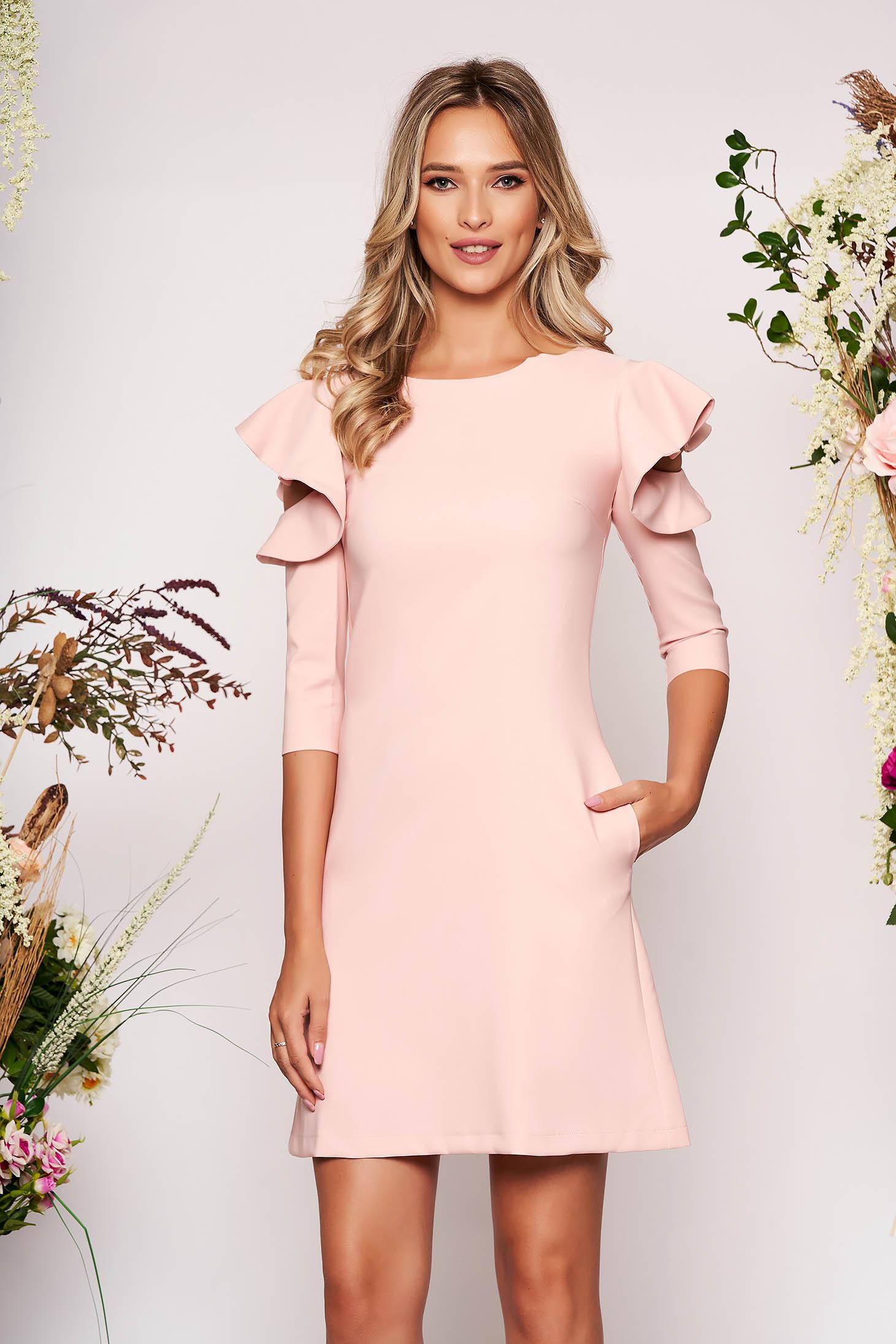 Rochie LaDonna roz deschis eleganta de zi din stofa usor elastica cu croi in a si volanase la maneca
