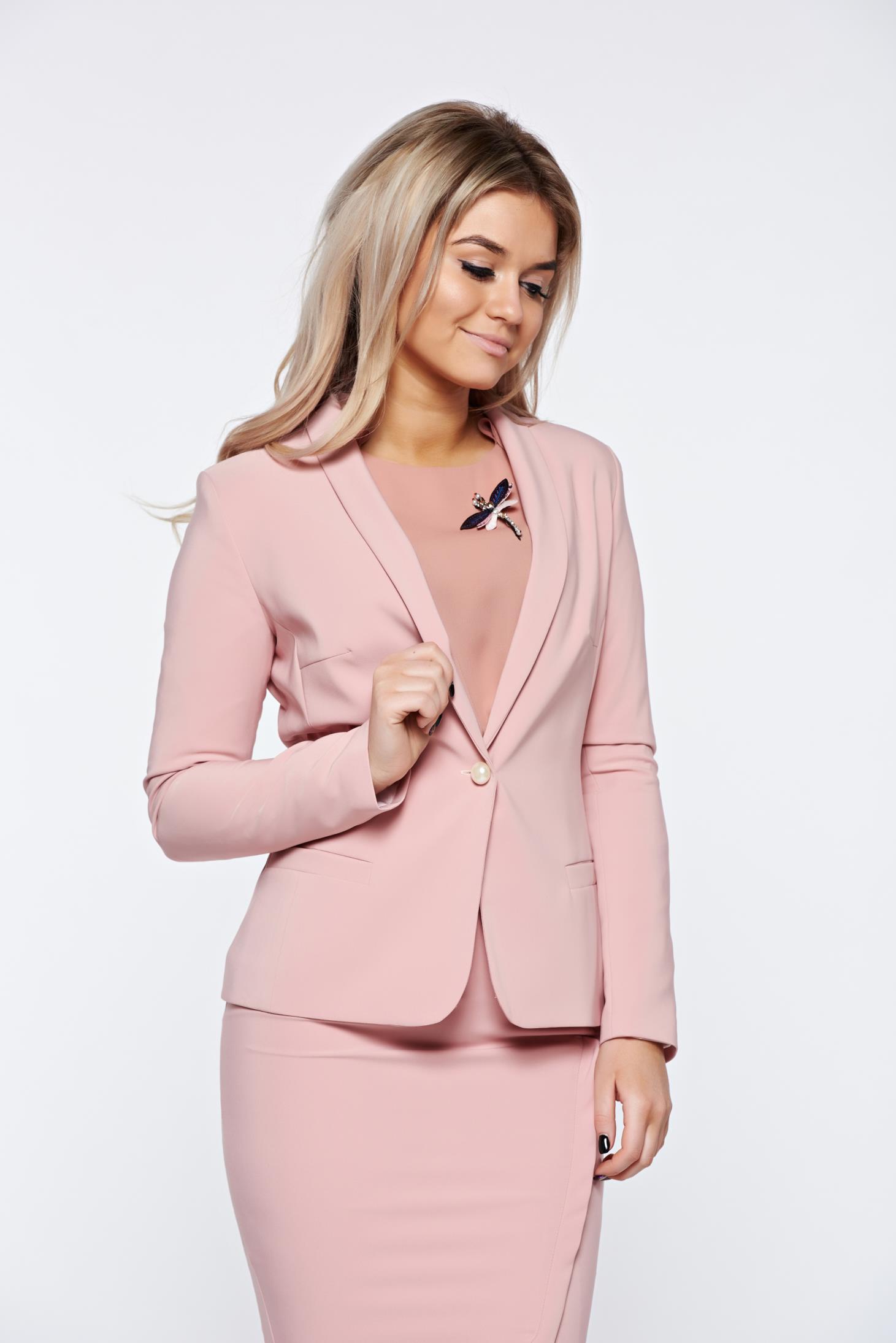 Sacou LaDonna rosa basic cambrat din material fin la atingere captusit pe interior