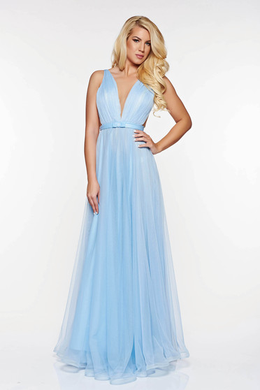 Ana Radu lightblue luxurious dress from tulle with inside lining with deep cleavage