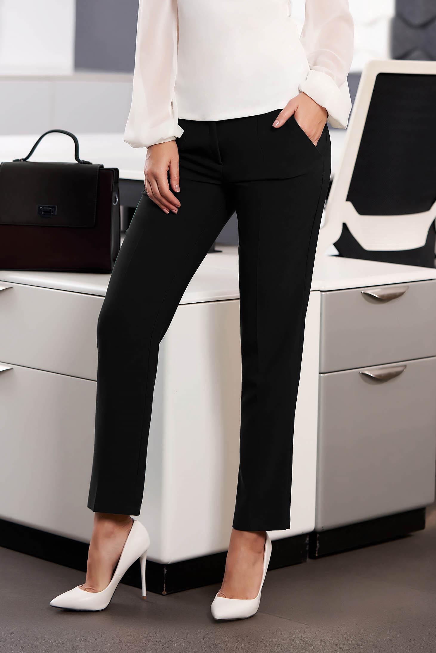 Fekete irodai egyenes szabású zsebes nadrág enyhén rugalmas szövetből