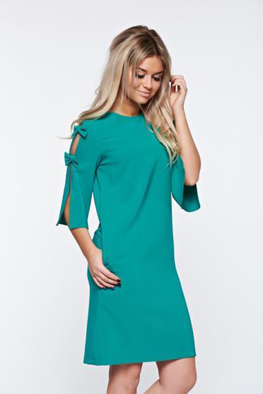 LaDonna green dress elegant with easy cut slightly elastic fabric