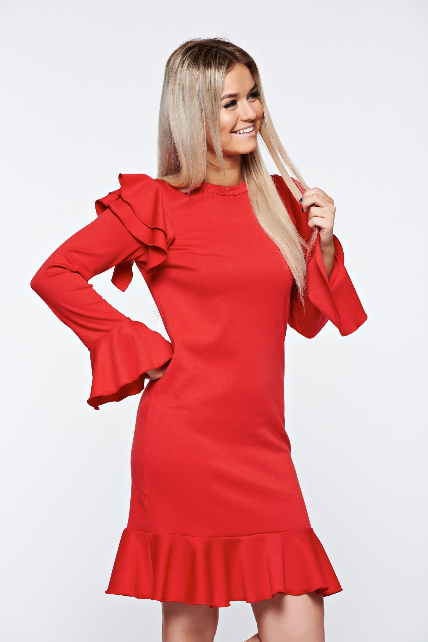 With ruffle details with easy cut elegant