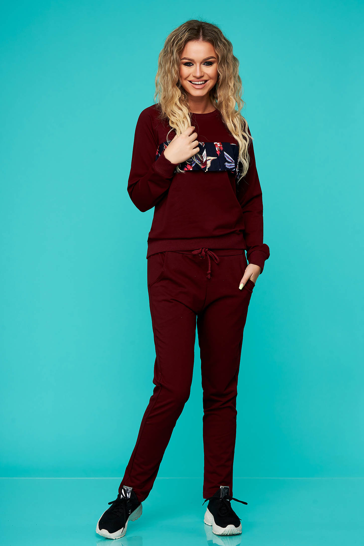 Burgundy sport 2 pieces cotton with pockets is fastened around the waist with a ribbon casual