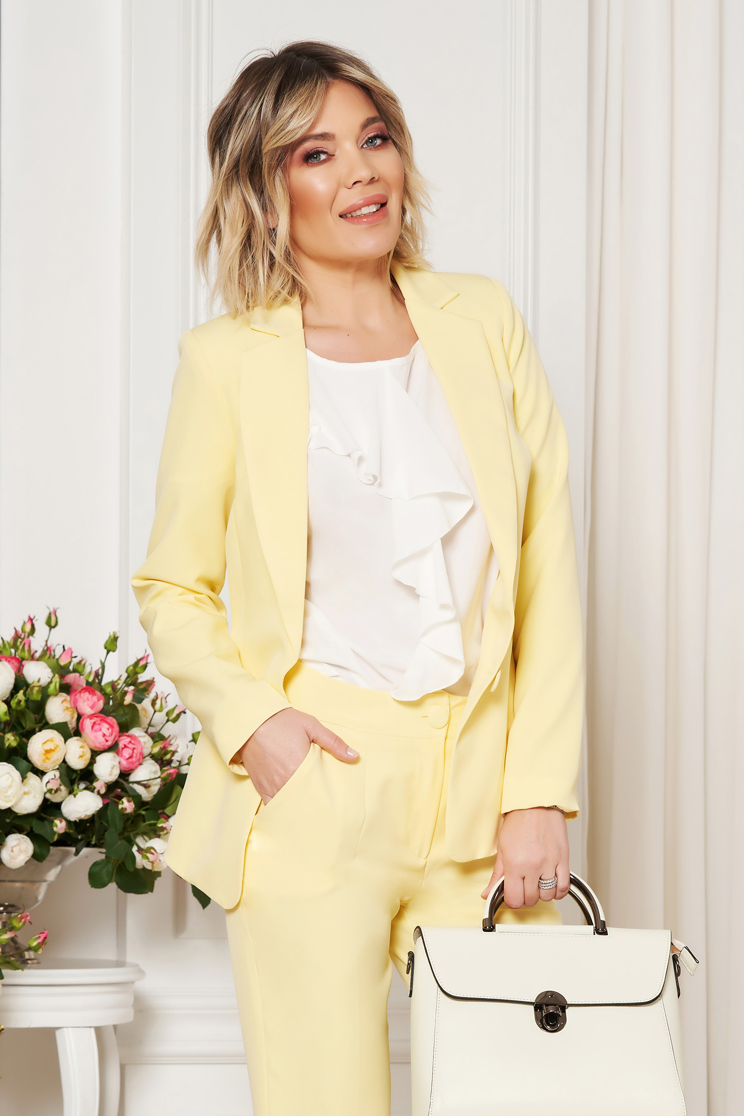 StarShinerS yellow jacket with inside lining office from non elastic fabric arched cut