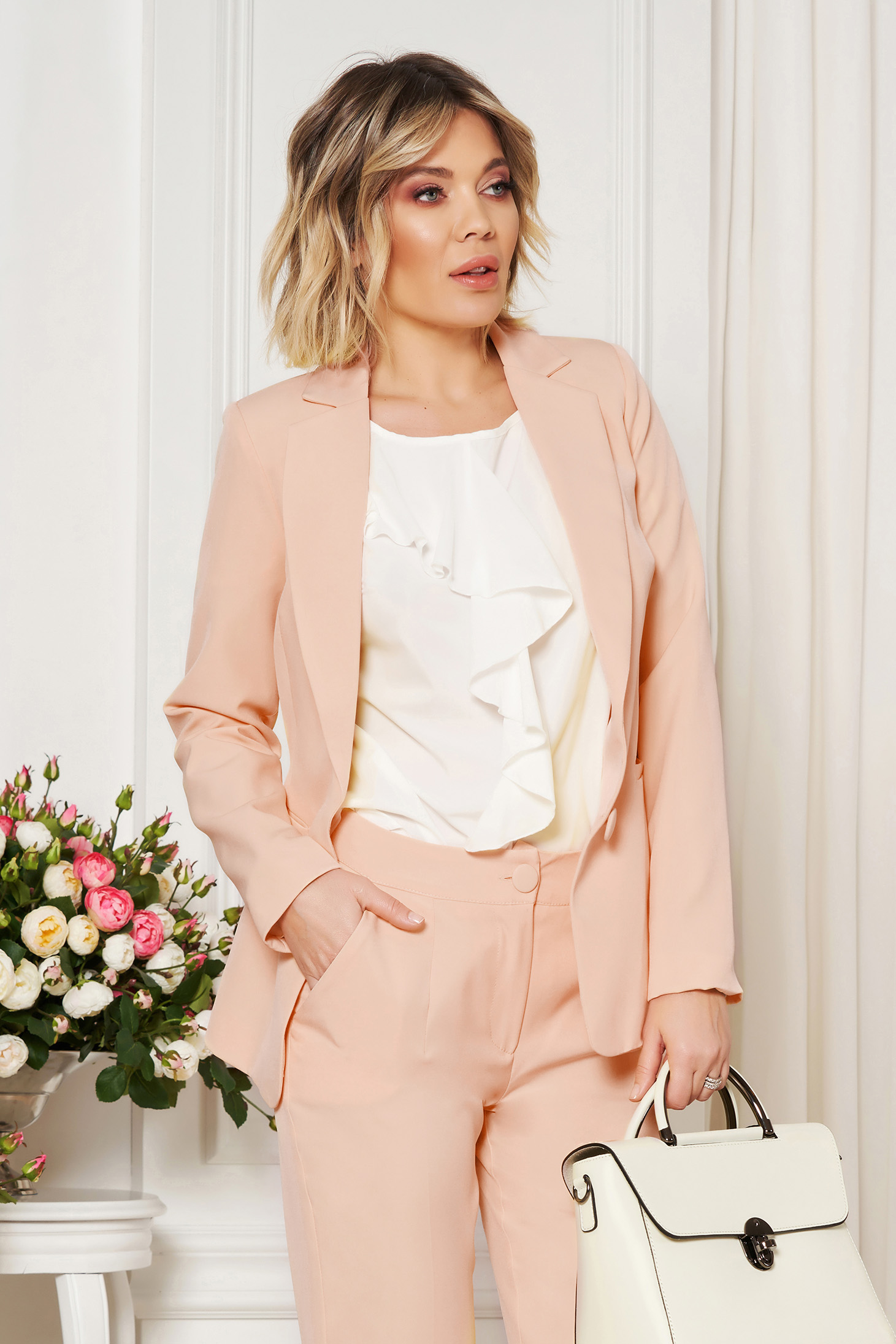 StarShinerS cream jacket with inside lining office from non elastic fabric arched cut