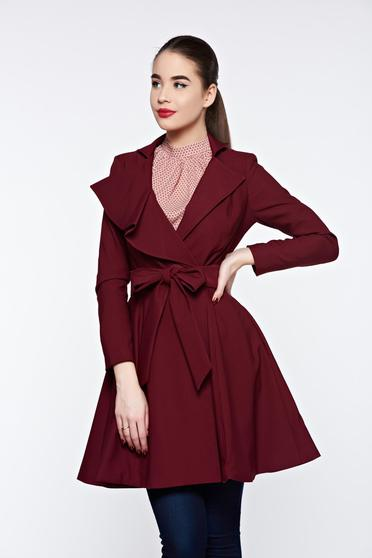 Artista burgundy trenchcoat with inside lining cloche accessorized with tied waistband