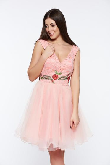 Artista rosa dress with v-neckline occasional embroidered laced from tulle