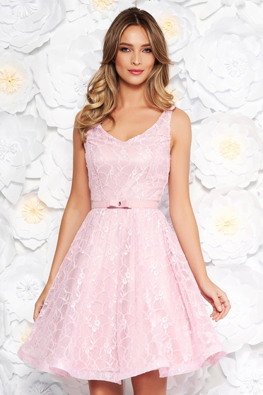 StarShinerS rosa occasional cloche dress laced with inside lining with sequin embellished details
