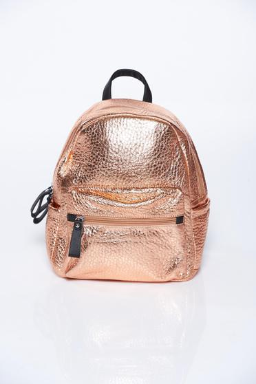 Gold backpacks casual with metallic aspect from ecological leather