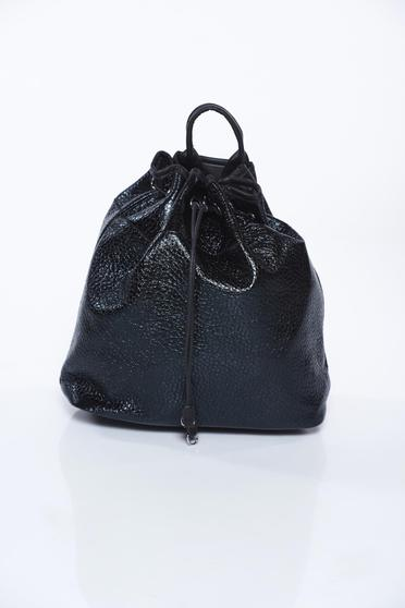 Black bag casual with metallic aspect from ecological leather