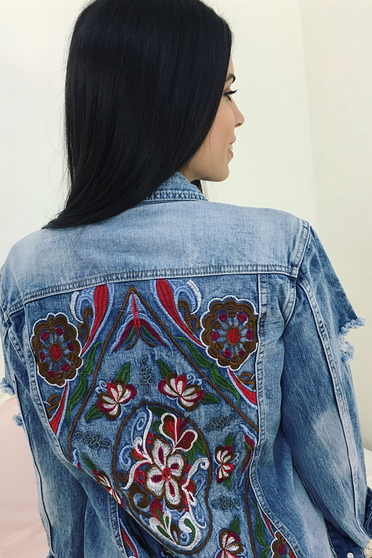 Blue jacket casual embroidered with pockets denim