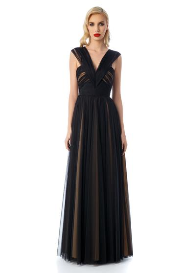 Ana Radu black dress luxurious with inside lining with deep cleavage from tulle