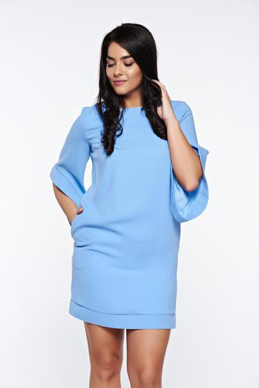 LaDonna lightblue elegant dress with easy cut with inside lining with pockets