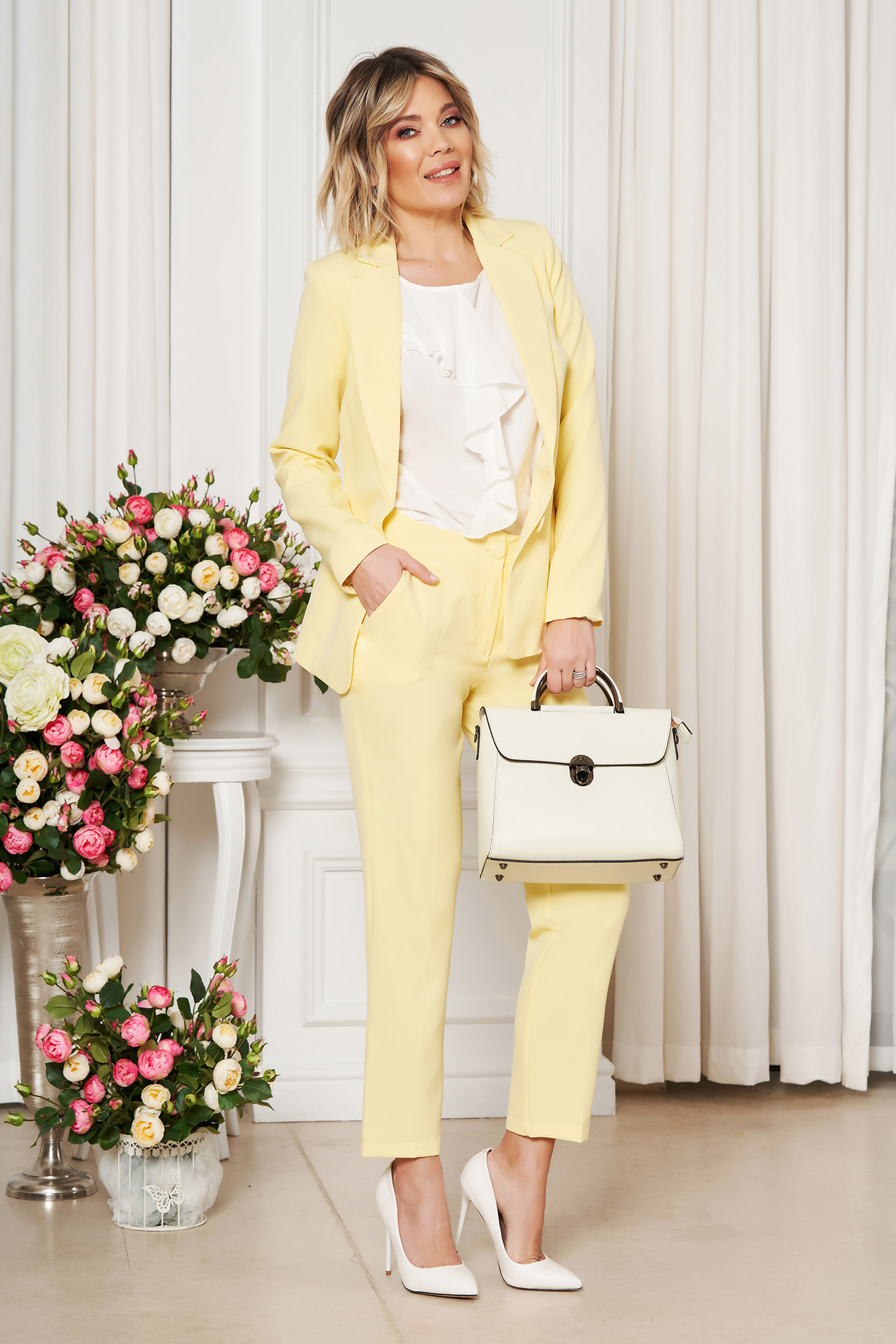 Pantaloni StarShinerS galbeni office cu un croi drept din stofa usor elastica cu talie medie si buzunare