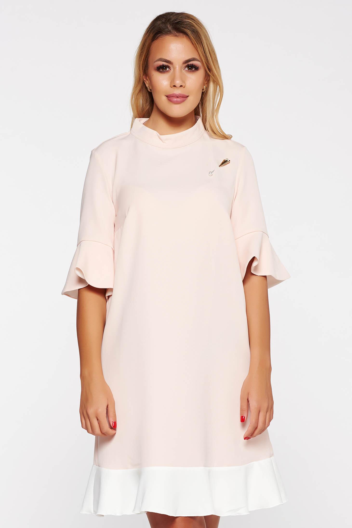 Rózsaszínű PrettyGirl elegáns bő szabás ruha enyhén rugalmas anyag fémes kiegészítő