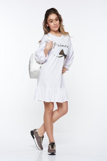 White casual dress with easy cut from elastic fabric with ruffles at the buttom of the dress