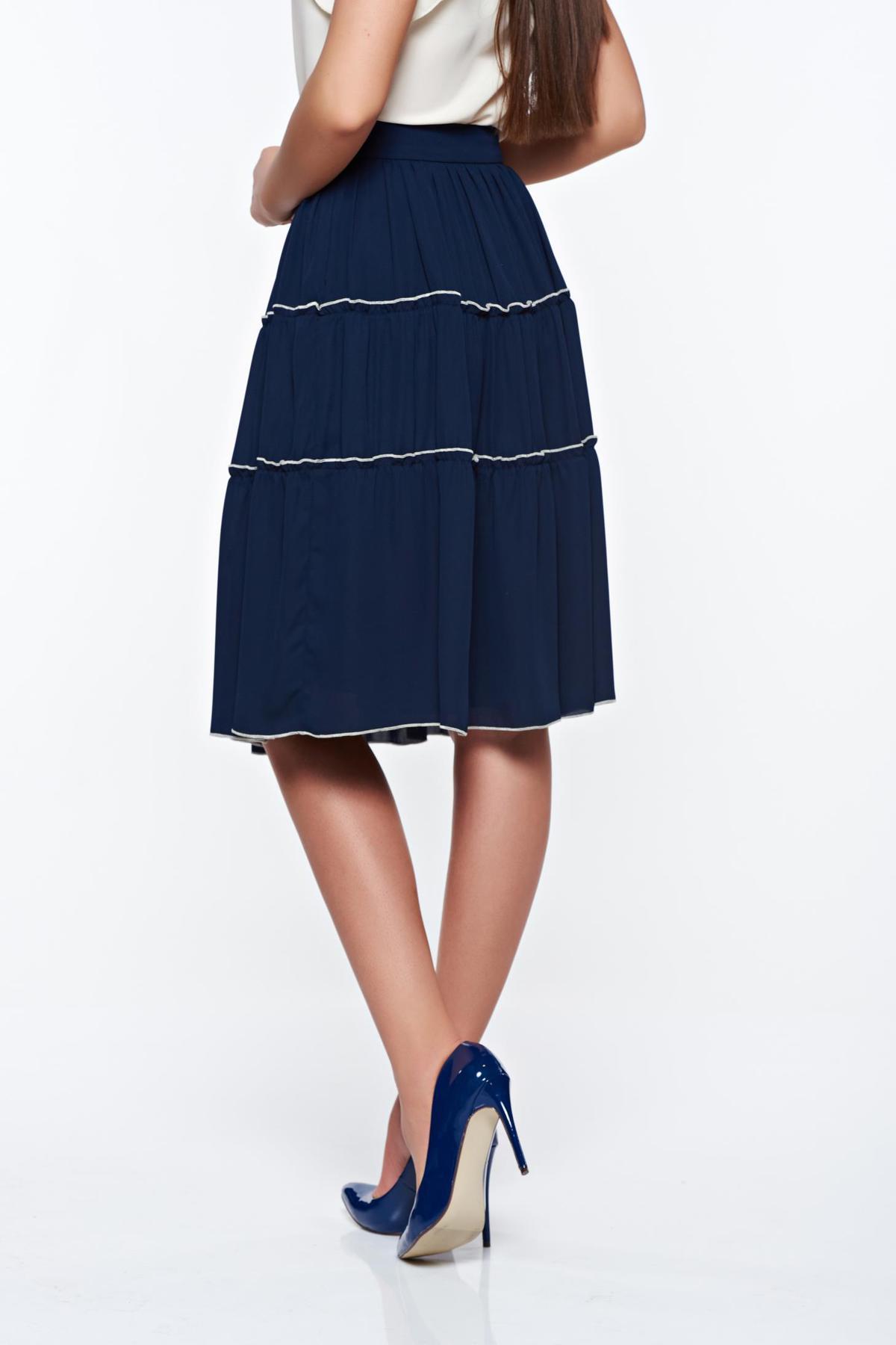 Fusta LaDonna albastra-inchis eleganta in clos cu talie inalta captusita pe interior cu aplicatii cusute manual