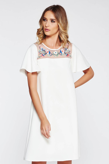 StarShinerS white embroidered flared dress with inside lining non-flexible thin fabric