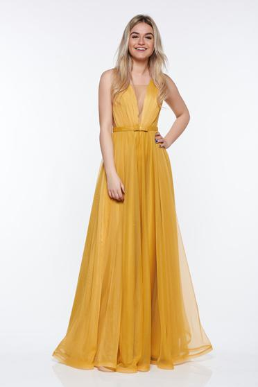 Ana Radu with v-neckline mustard dress luxurious with inside lining from tulle