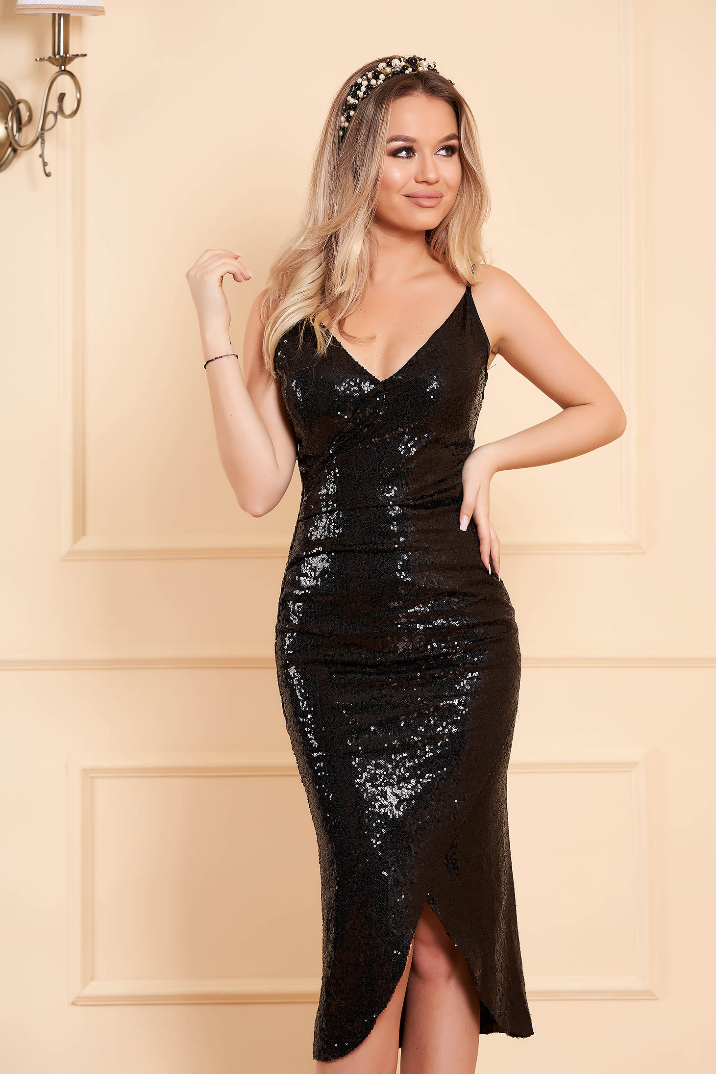 StarShinerS black occasional dress with sequins with inside lining slightly elastic fabric