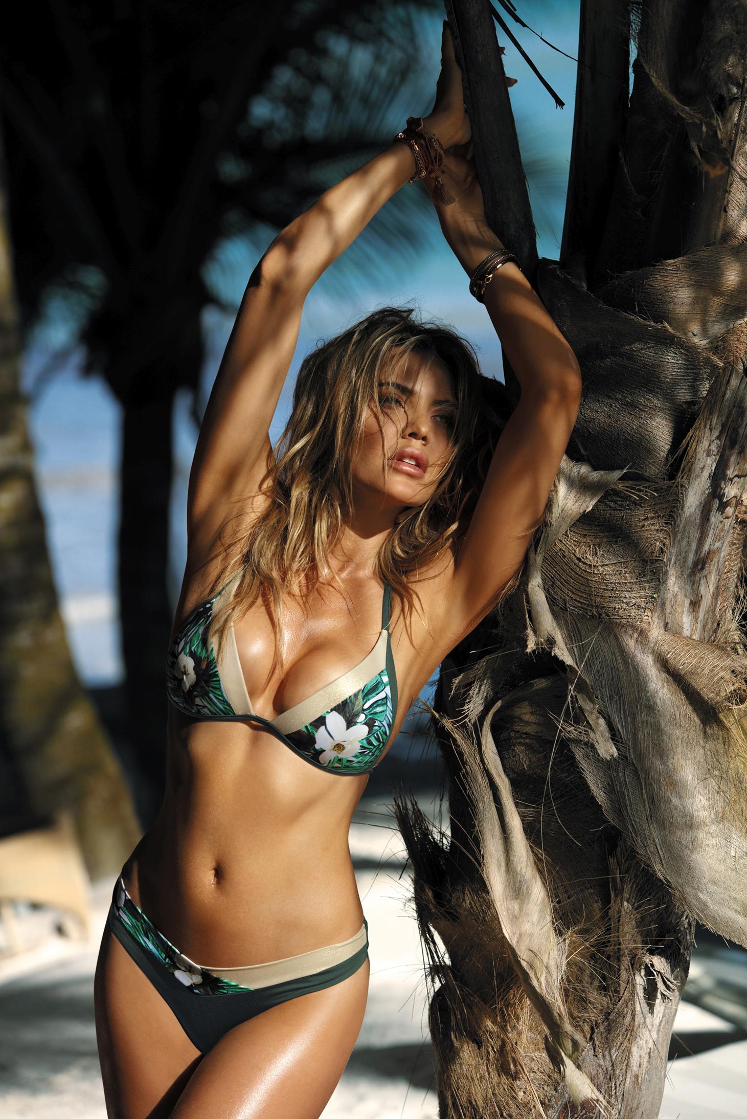 normal-girl-bikini-model