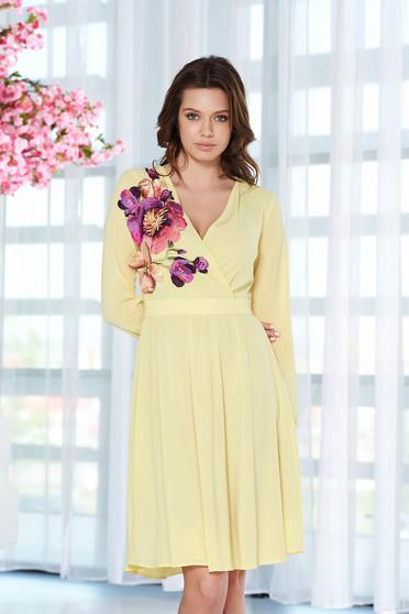 StarShinerS yellow occasional dress from veil fabric with embroidery details with inside lining with elastic waist