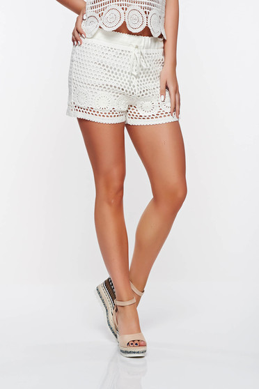 SunShine white casual short with medium waist with inside lining knitted fabric with elastic waist