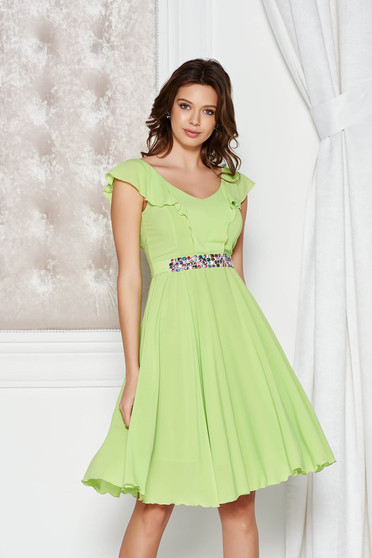 StarShinerS green dress elegant cloche from veil fabric with inside lining accessorized with tied waistband with embellished accessories