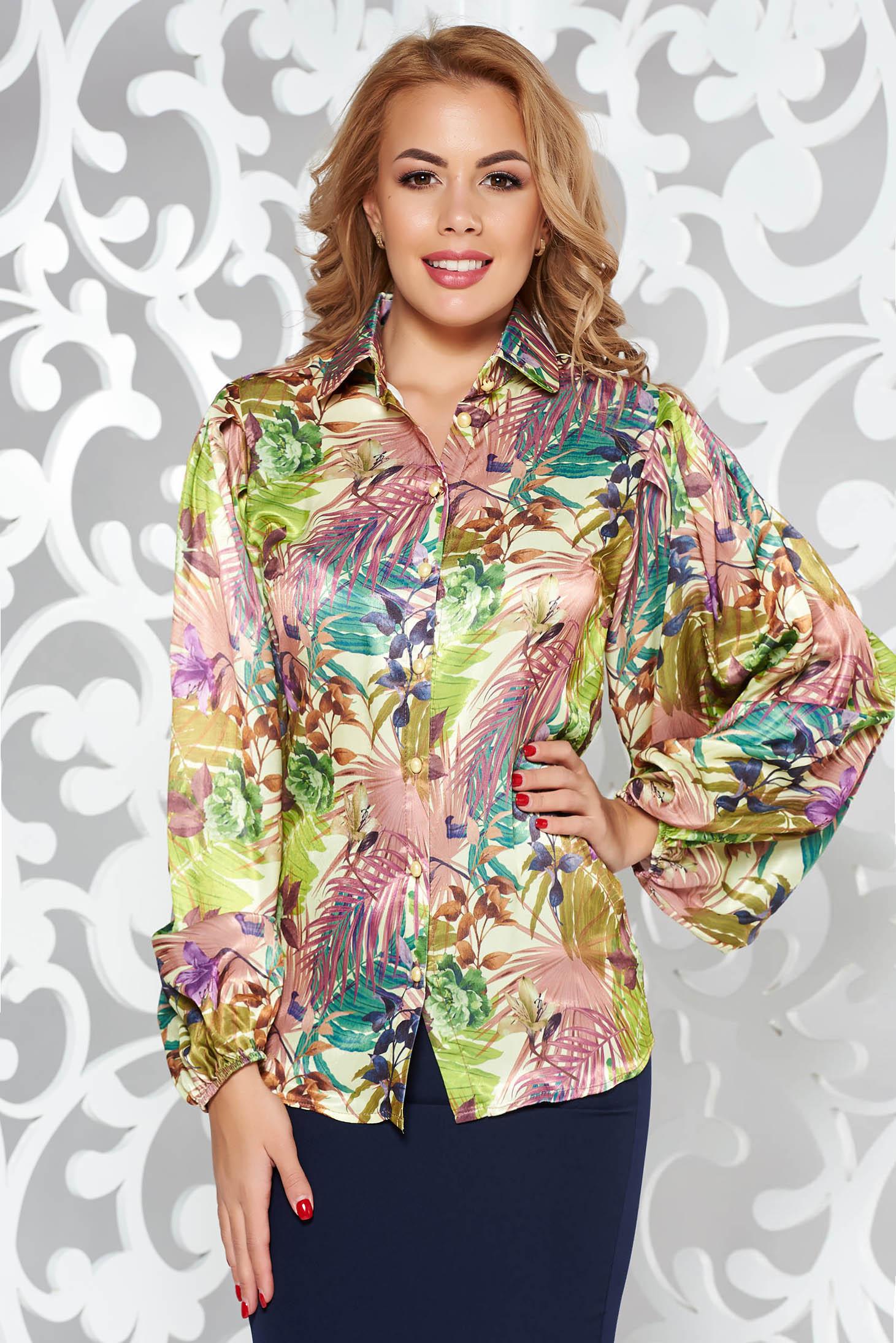 Barna PrettyGirl elegáns bő szabásu női ing szatén anyagból virágmintás díszítéssel