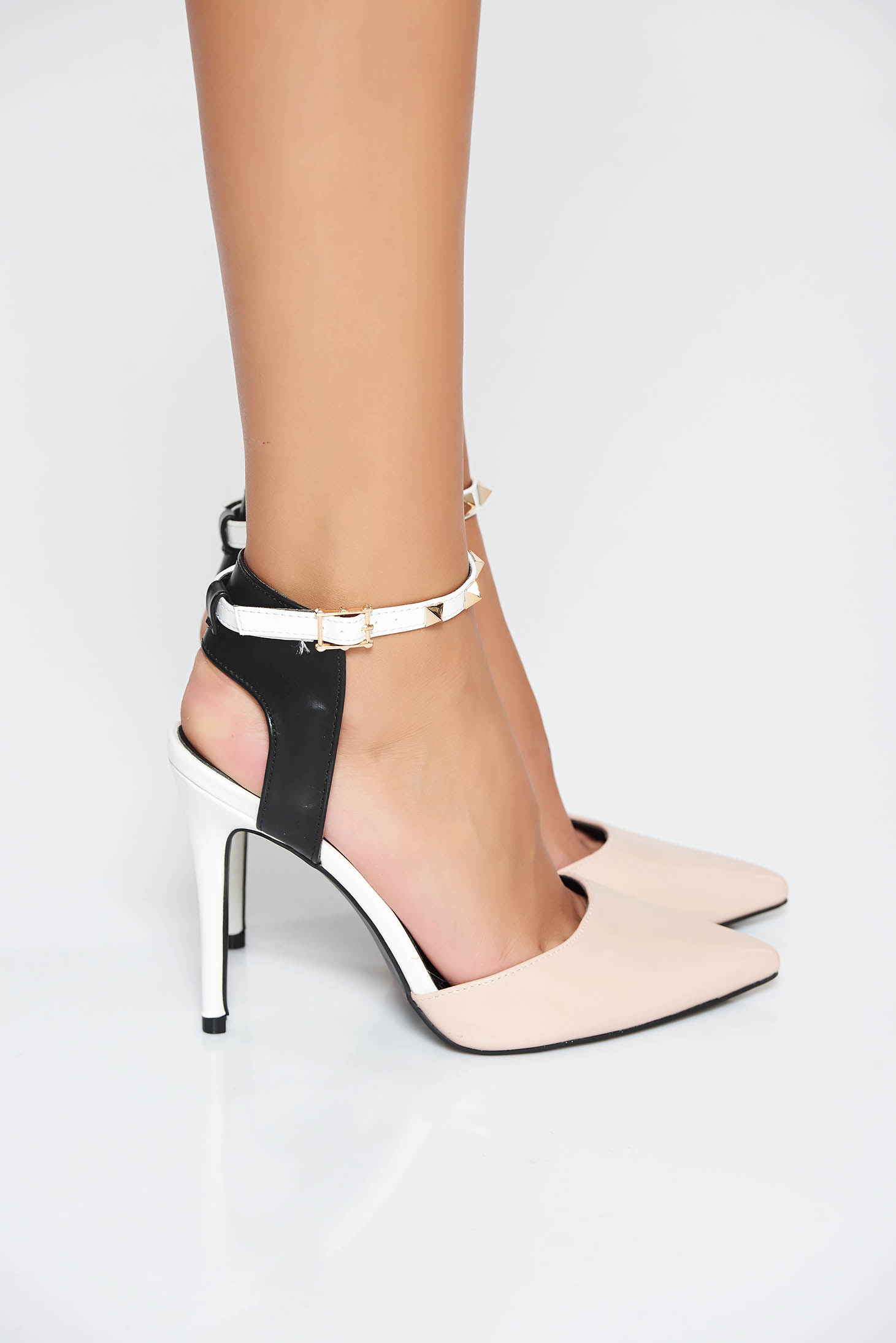 Cream elegant shoes from ecological leather with high heels aims