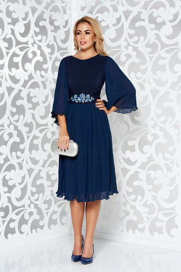 StarShinerS darkblue occasional dress embroidered from veil fabric folded up accessorized with tied waistband