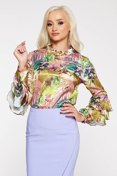 PrettyGirl elegant women`s blouse with easy cut with floral prints with ruffled sleeves green