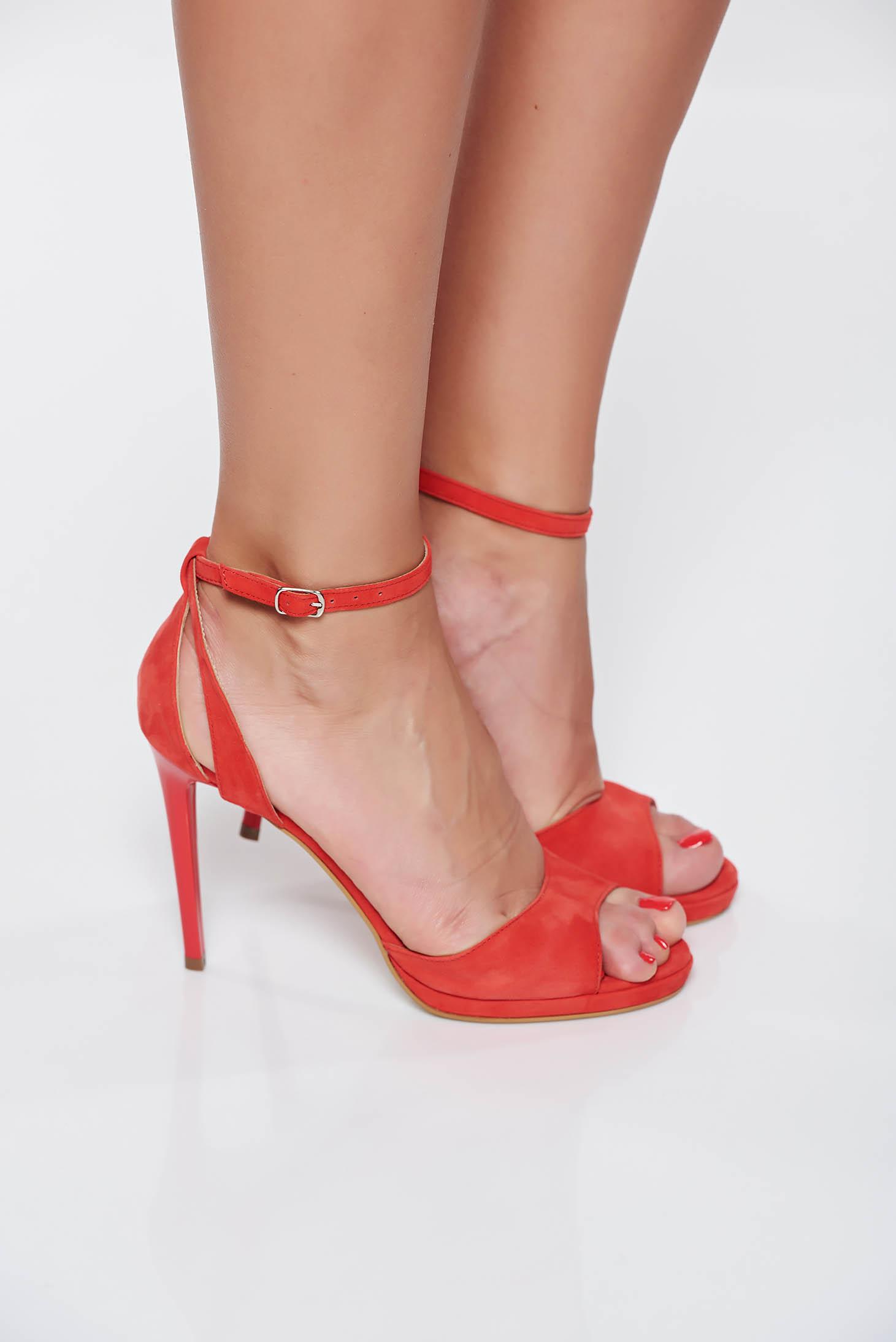 Sandale negre elegante cu toc inalt din piele intoarsa