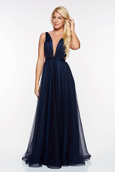 Ana Radu darkblue dress accessorized with tied waistband from tulle with deep cleavage with inside lining luxurious