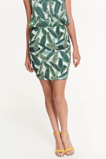 Top Secret green skirt casual with tented cut slightly elastic fabric with medium waist