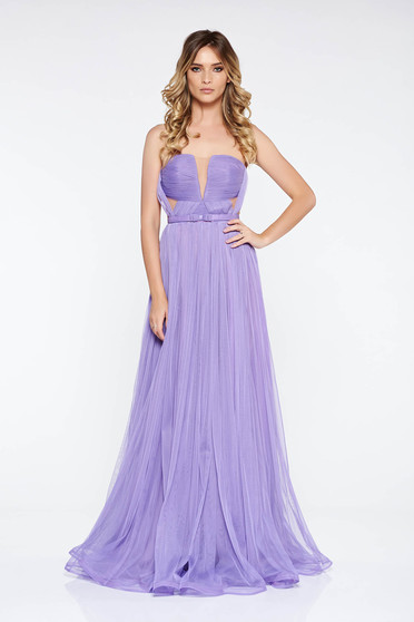 Ana Radu lila dress luxurious from tulle with inside lining with deep cleavage accessorized with tied waistband