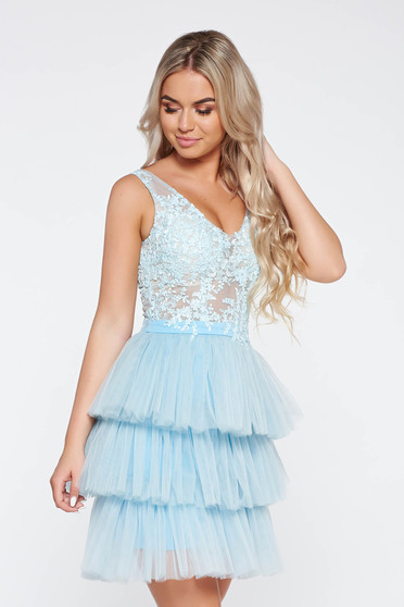 LaDonna lightblue occasional dress with inside lining from tulle laced with floral details with 3d effect