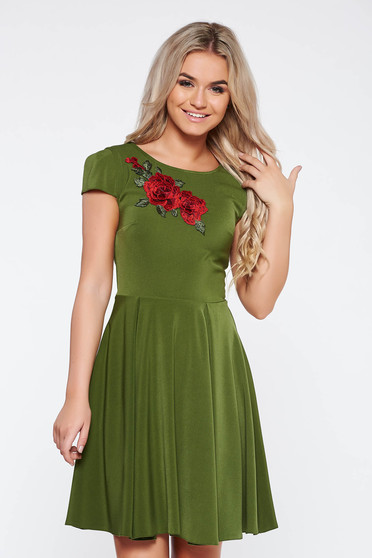 Green elegant cloche dress slightly elastic fabric with embroidery details