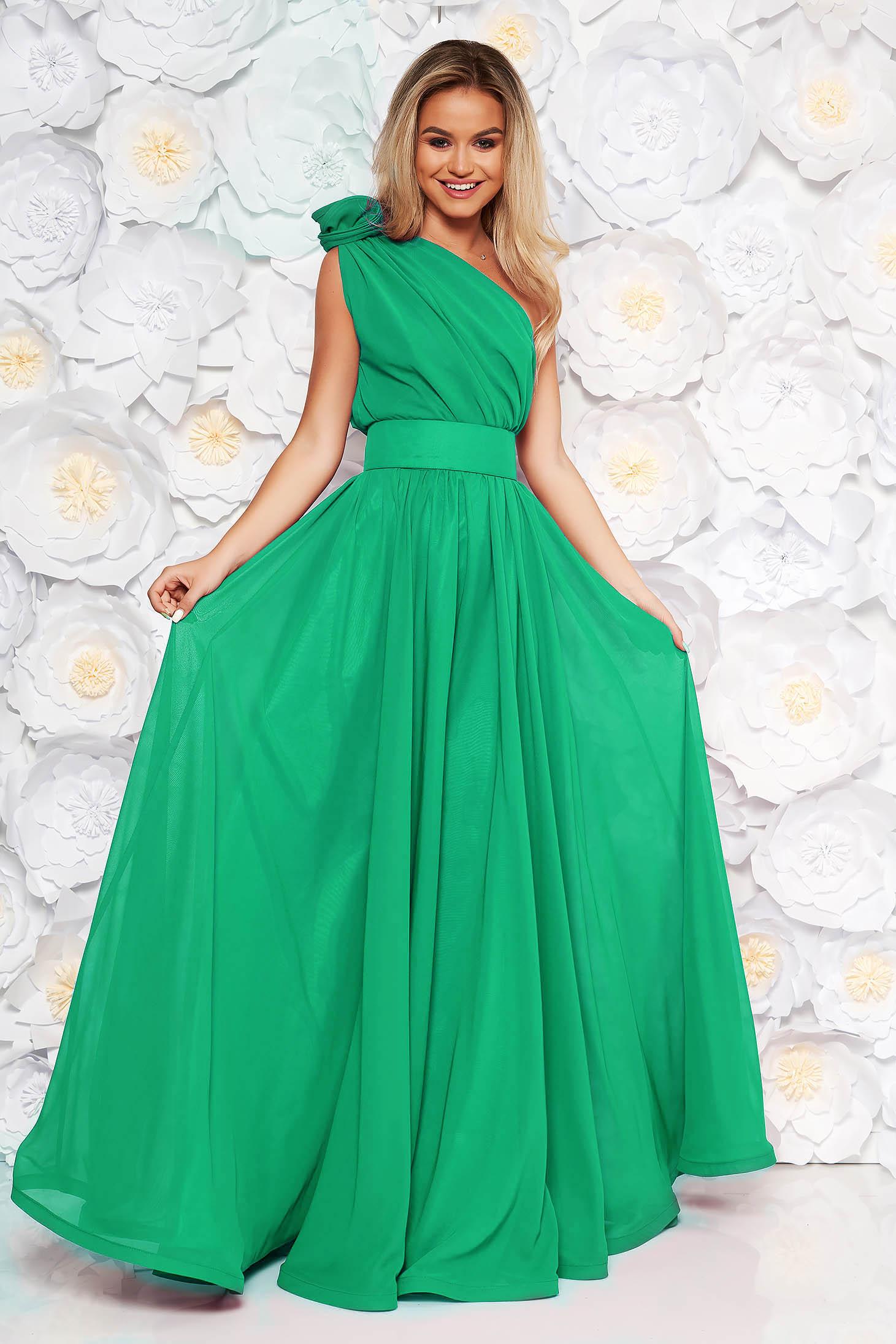 Zöld Ana Radu hosszú harang ruha fátyol belső béléssel övvel ellátva