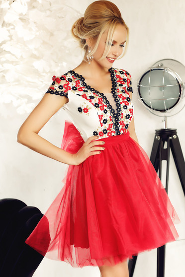 Fofy red occasional cloche dress from tulle with embroidery details with inside lining