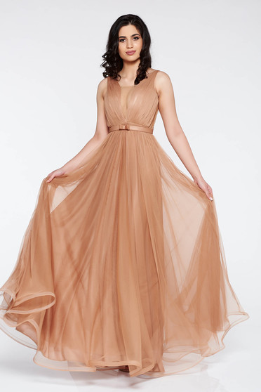 Ana Radu cream dress accessorized with tied waistband from tulle with deep cleavage with inside lining luxurious