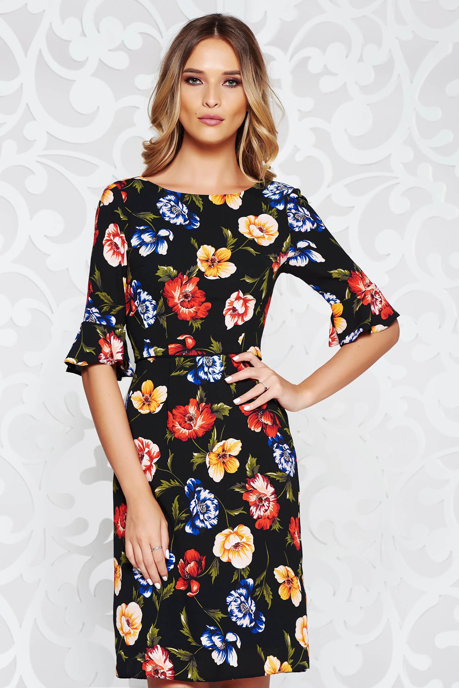 caf6d15388 Fekete elegáns harang ruha lenge anyagból belső béléssel virágmintás  díszítéssel