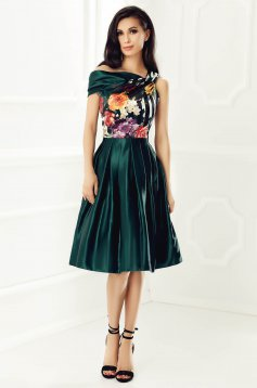 Green occasional sleeveless dress from satin fabric texture with floral print with inside lining