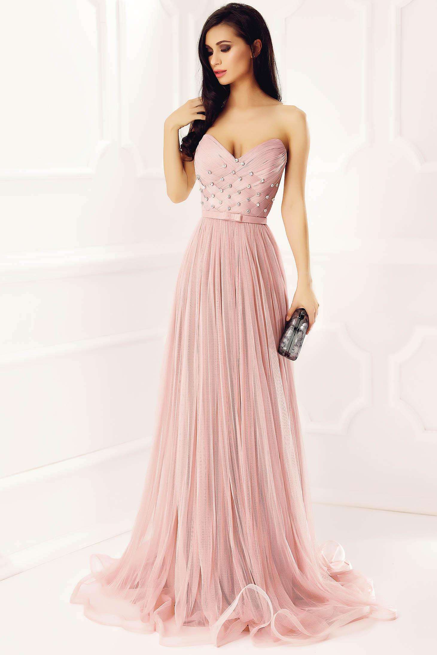 Világos rózsaszín Ana Radu ruha strassz köves díszítéssel tüll belső  béléssel fűzős alkalmi 424859e9b5