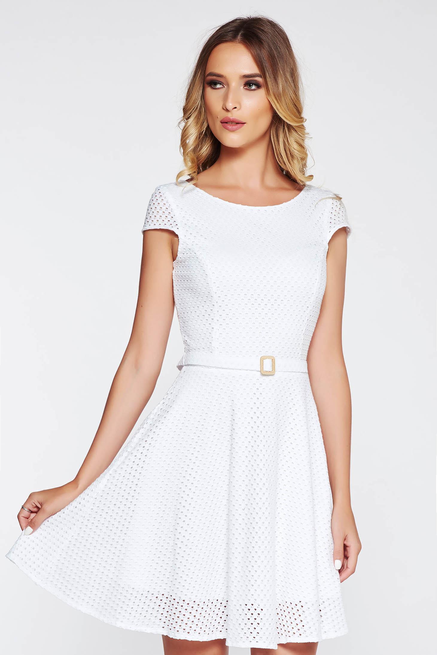 Fehér StarShinerS hétköznapi harang ruha nem elasztikus pamut belső  béléssel öv típusú kiegészítővel f7860f4501
