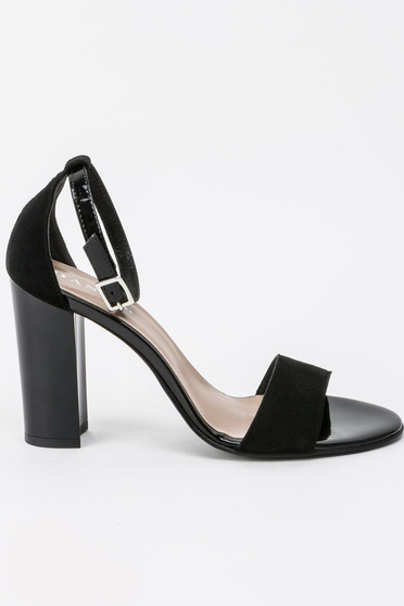 Black sandals elegant natural leather with high heels with thin straps