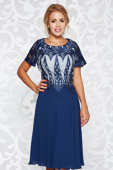 Darkblue occasional flaring cut dress from laced fabric